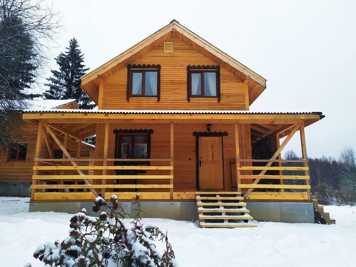 Дом в лесу с русской баней на дровах