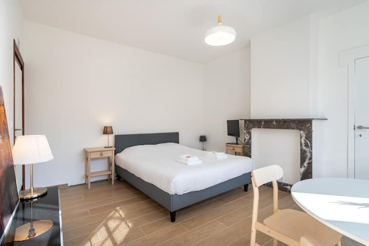 Bright clean apartment 4 pers. near center Brugge