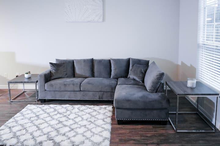 Elegant & Stylish Escape! Med Center  Queen Bed