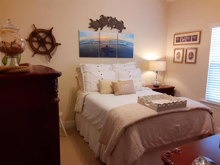 Private Bedroom On the Island with Private Office
