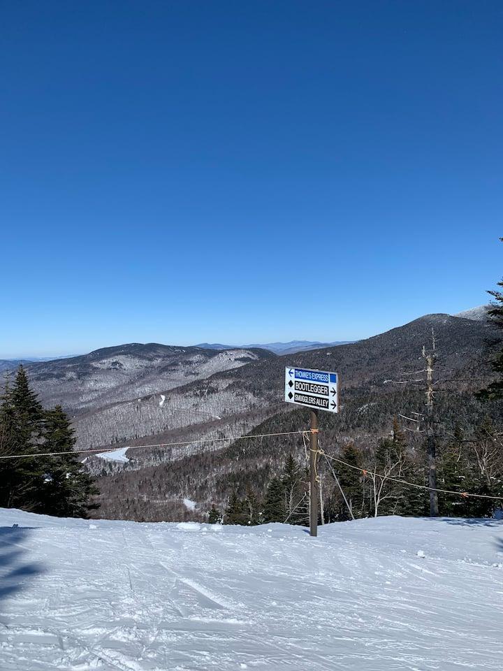 FREE SHUTTLE TO THE SLOPES  - Cozy Ski condo