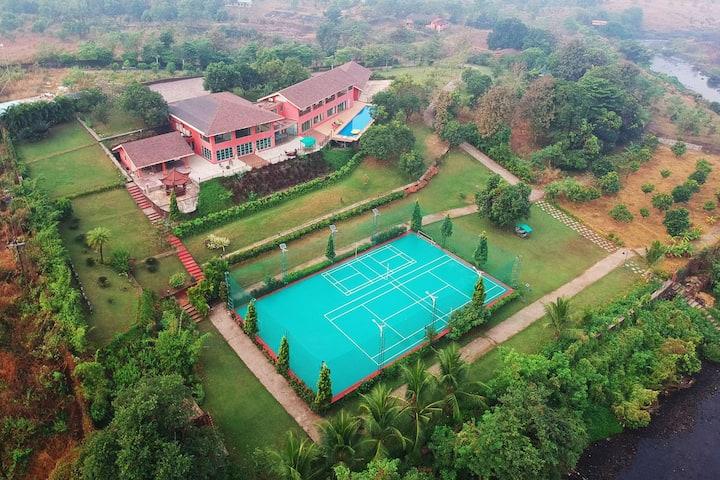 Neverland Farms -Luxury Villa w/h Pvt Pool & Turf