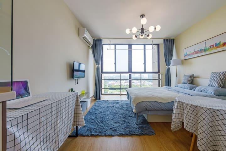 魔方公寓,独立一居室,超大落地窗,独立厨卫,精装全配,拎包入住,近地铁15号线元江路站