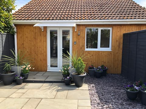 Cosy detached annexe for two