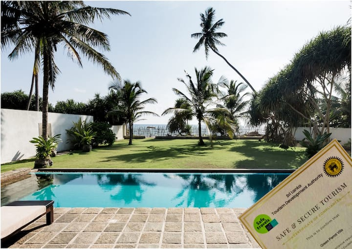 Green Parrot Beach Villa with Private Pool by Sea