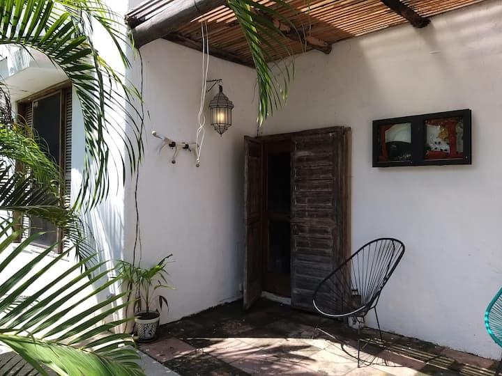 Casa Escaleras: 4 bedroom house+garden in Careyes