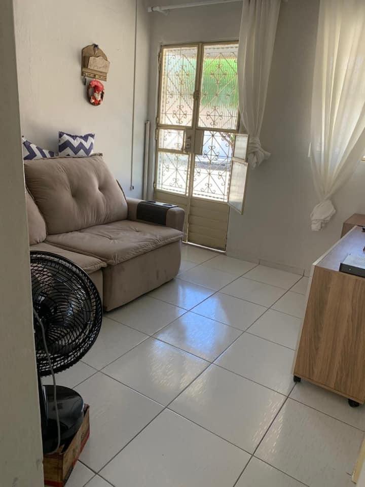 Casa simples e bem localizada na Jatiúca