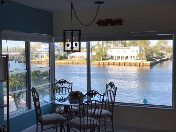 Waterfront Condo ON the Intracoastal. Great views!