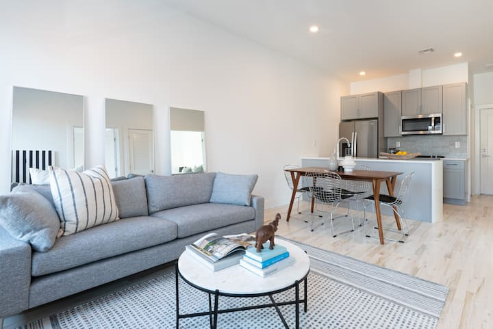 BRAND NEW LUXE 2 Bedroom - Minutes To NYC TIMES SQ