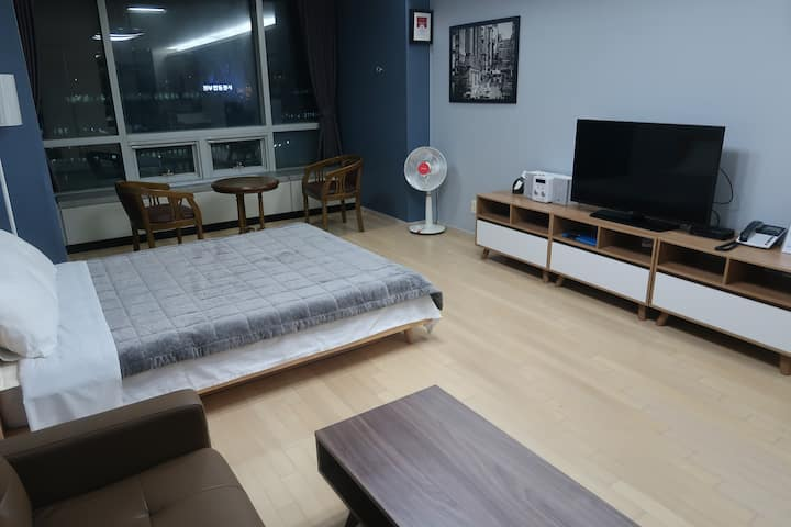 Kevin's House (Double #5) 인천공항 앞 자가격리 별도문의