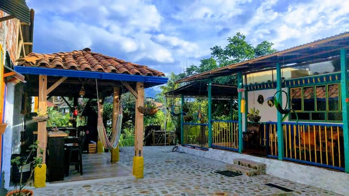 El  Aguacate - Beautiful Coffee Farm House!!