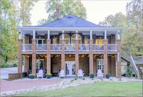 Beautiful Home on Main Lake Gaston!