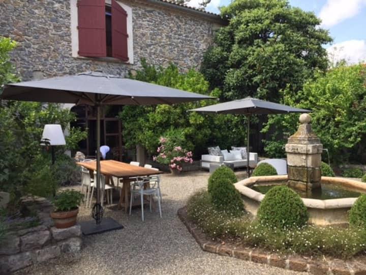 Luxuriöse Villa mit eigenem Pool, garten, Terrasse