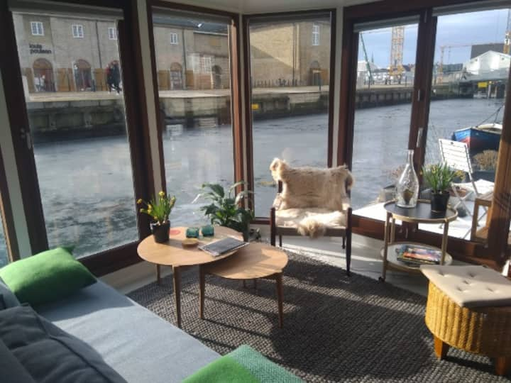 Cocoon - charming houseboat in Copenhagen City