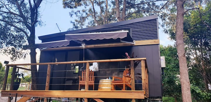 Tiny Home Eco Cabin. Acreage with Creek & Bushland