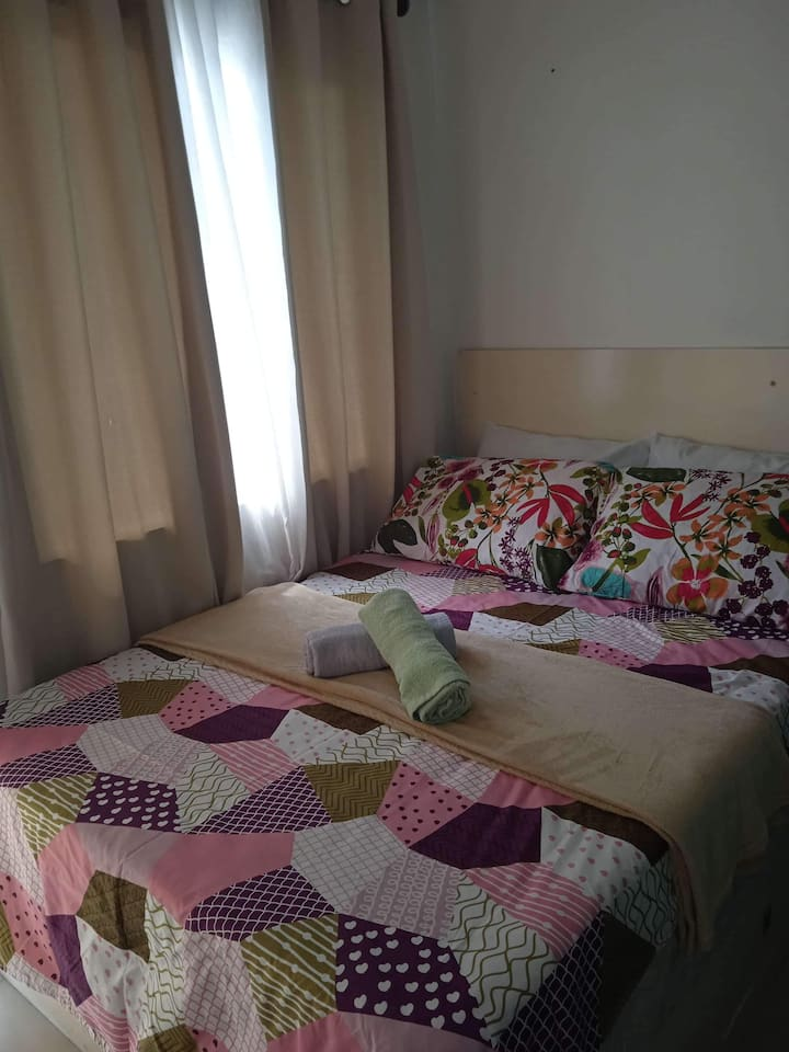 Deluxe Couple Room, Condo affordable