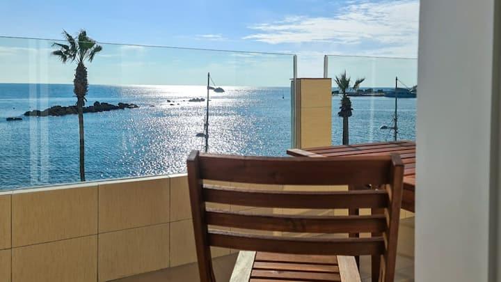 Phaedrus Living: Seaview Luxury flat Paphinia 204