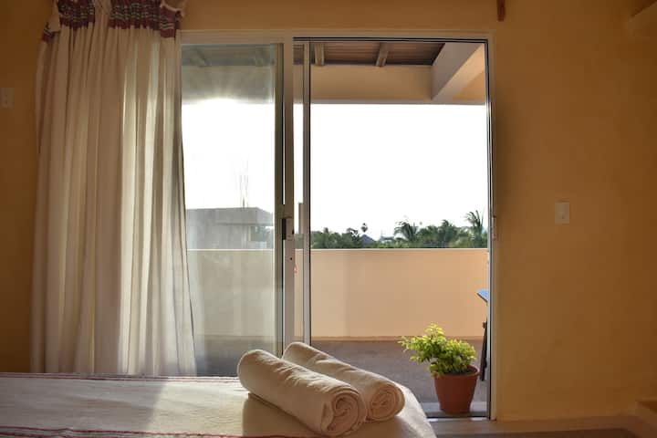 Suite 4 with Oceanview and AC, kingsize bed