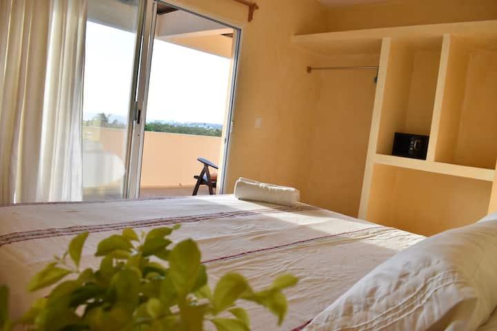 (4) Kingsize bed, AC, Ocean View in Villa