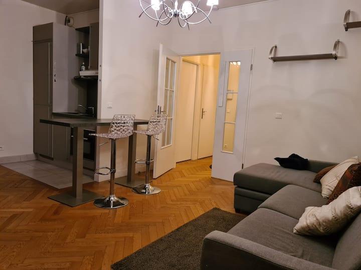 Grand studio meublé + jardin privatif