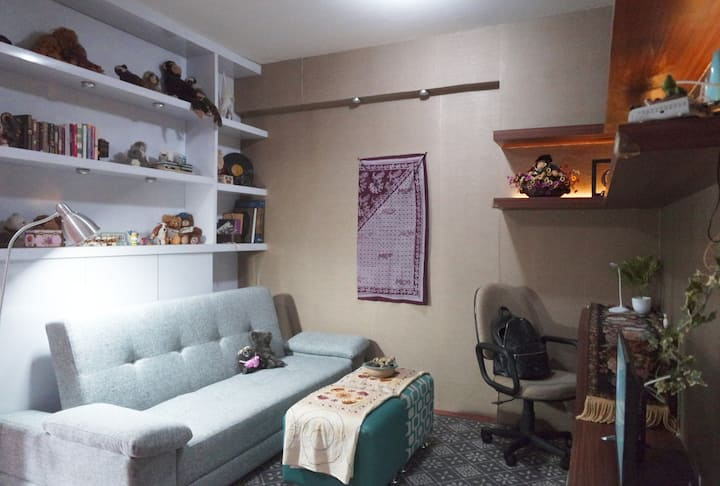Hideaway at Gateway | An Eclectic 2BR Apartment