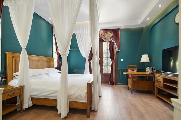 莫干山半山腰上的欧式城堡别墅—云露大床房,自带地暖+地下酒窖+可带宠物+KTV