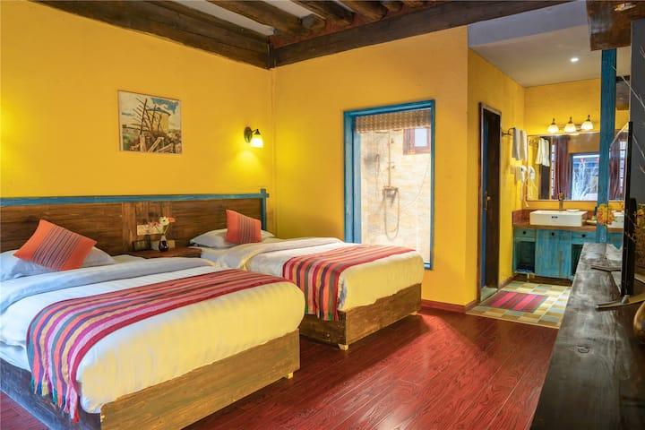 香格里拉九米雪山艺术酒店、藏式双床房、暖气、免费接机服务、免费停车、网红拍照点