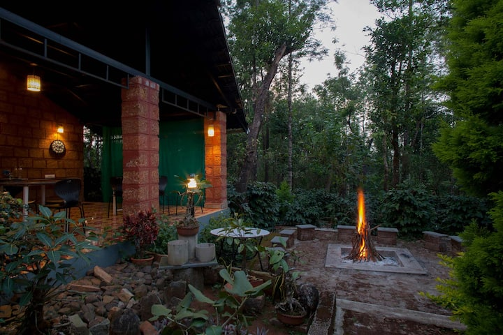 Green Pastures - 2BR surrounded by coffee estate