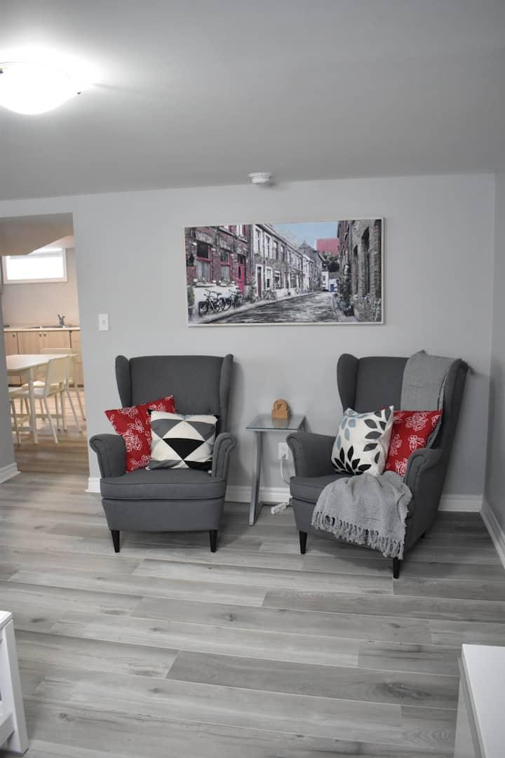 Sparkling & Large New 2 Bedroom + Den (1350 sq ft)