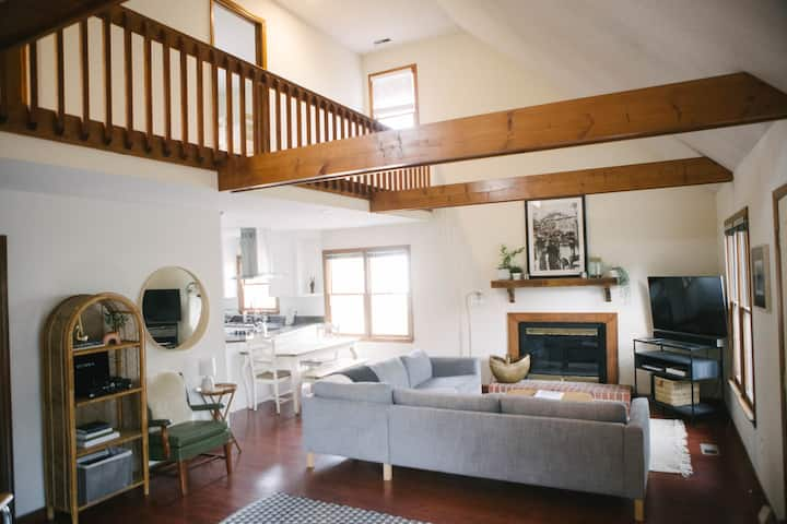 Bull City Abode: Durham home, close to everything!