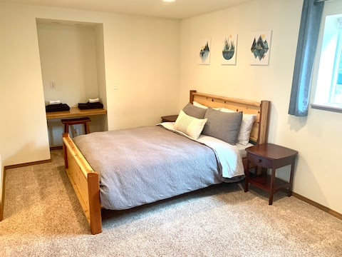 Quiet Apartment in West Colorado Springs