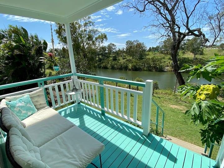 Brisbane River Cottage - BBQ, Fishing & Kayaking