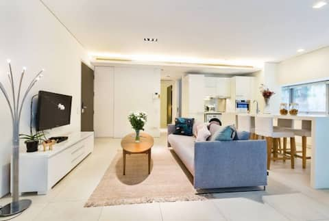 Luxury Home @ Orchard Road, 2 BR, Quiet, Terrace