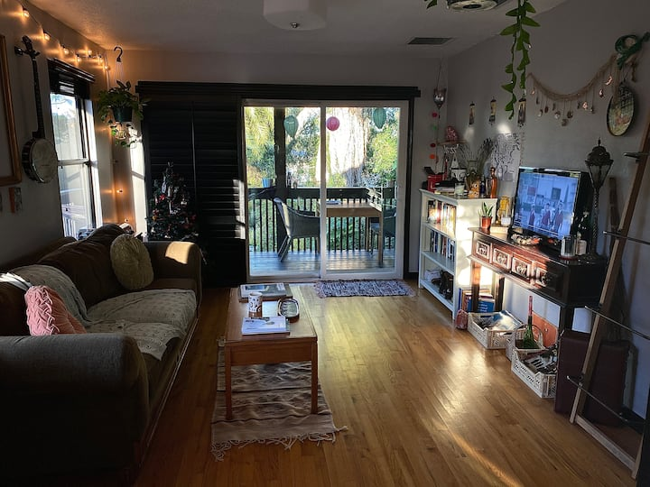 Cozy & Culture Filled Cottage In College Park