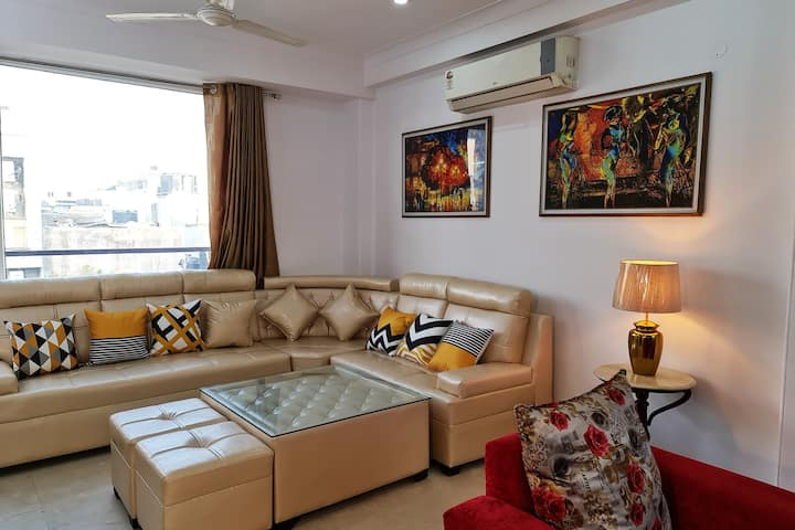GREATER KAILASH1♦3BR★PARKING, KITCHEN ★MAGNIFICENT