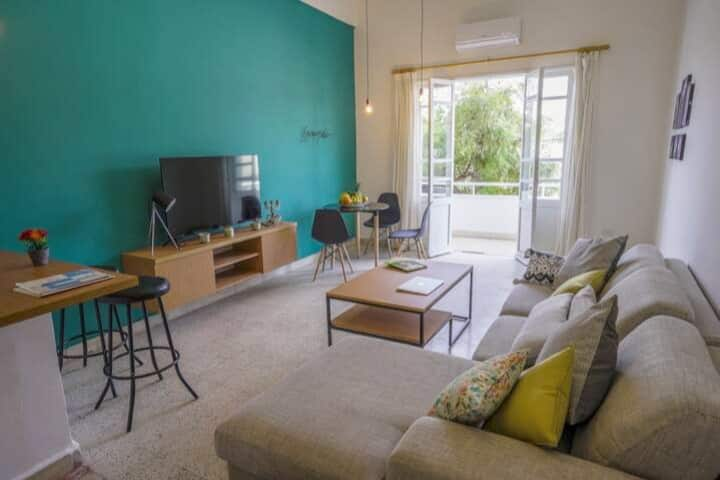 ★ Celine's 2-BR Apt in Mar Mikhael + Small Terrace