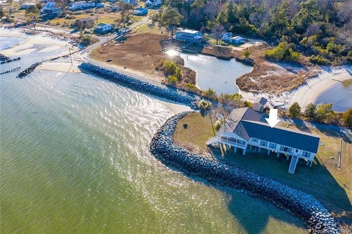 Beach House with Private Beach, Kayak, and Canoe
