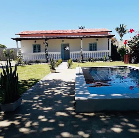 Self Catering bungalow 5min walk from beach