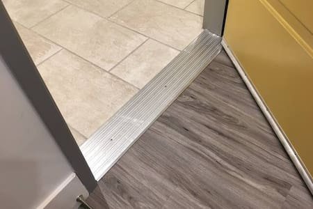 Entry door threshold