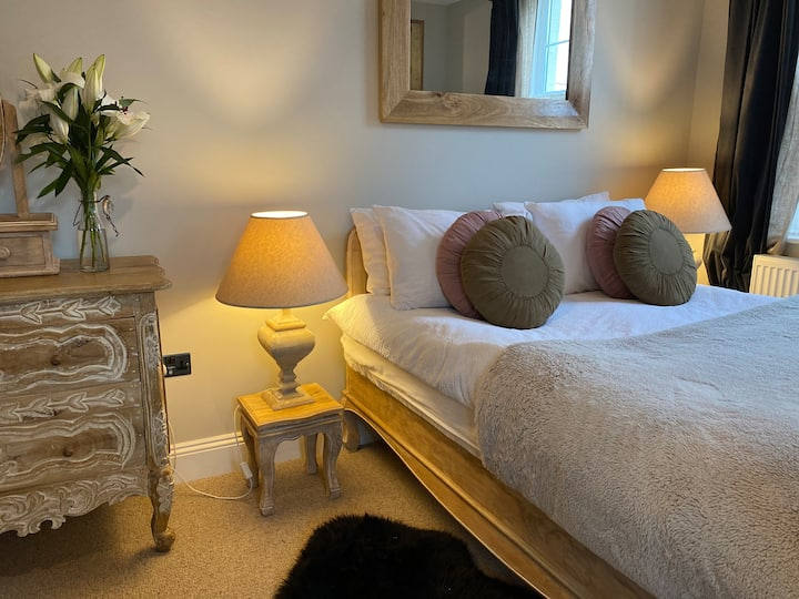 Stylish rooms in Boutique Barnstaple Townhouse