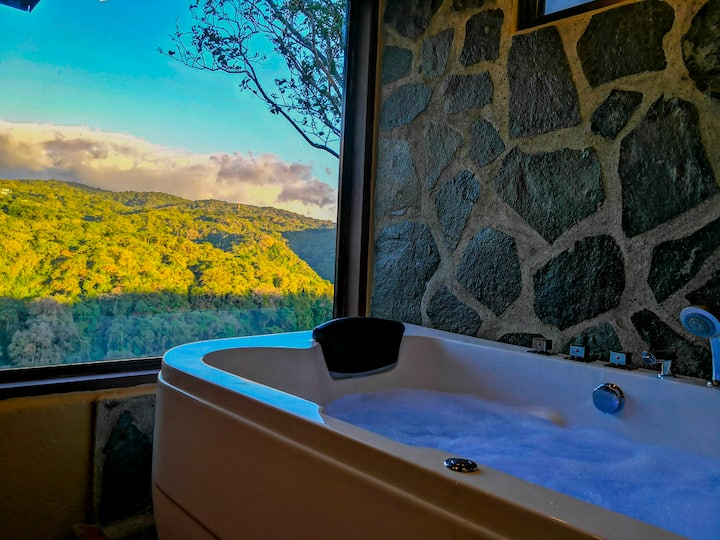 Private Honeymoon Suite with Hot Tub!