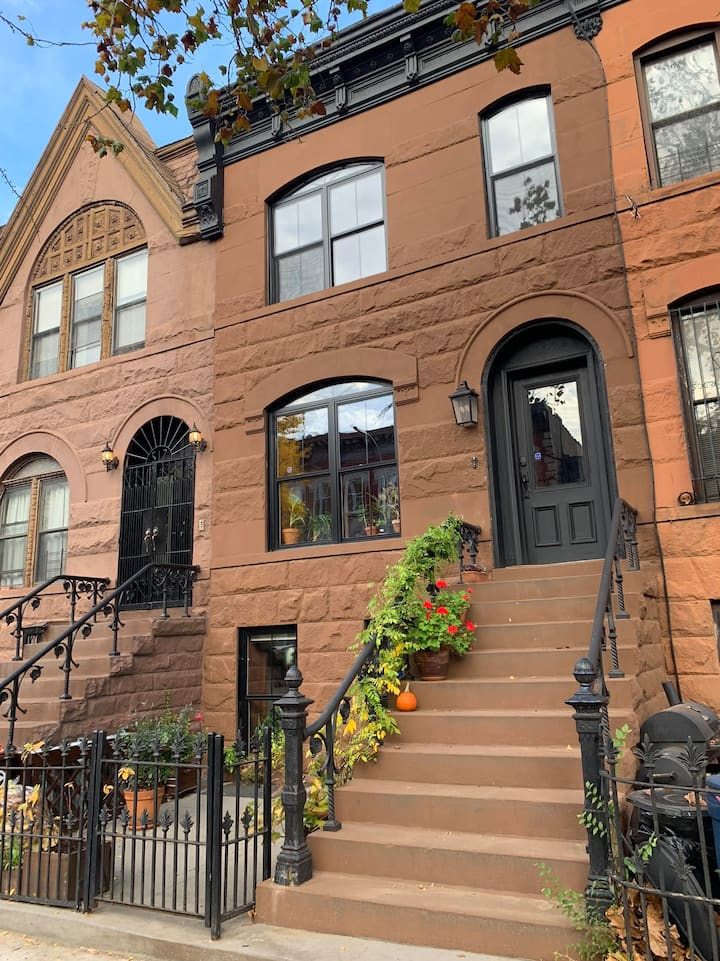 Newly renovated classic 2br brownstone with garden