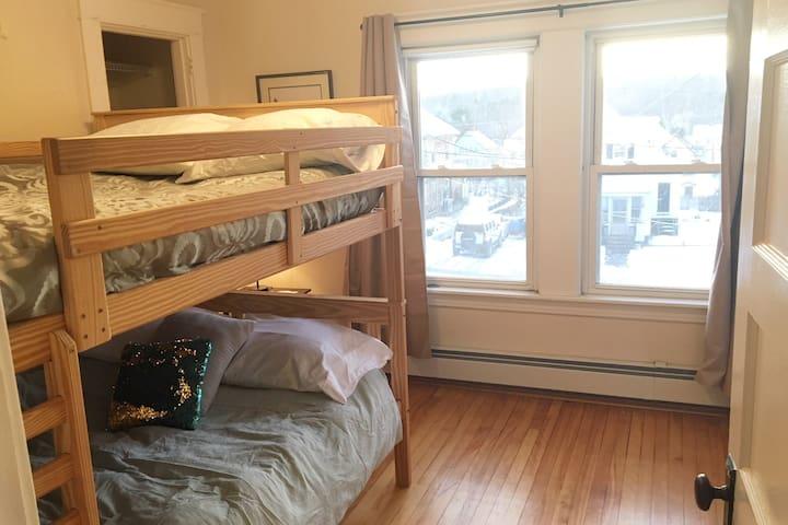 Bedroom 4) double bunk bed