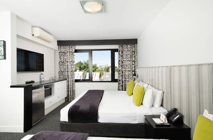 Luxury Stay Suit-Superior King Suite&Single Bed 1