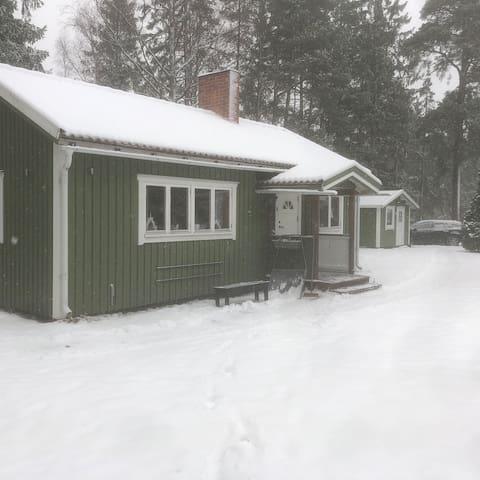 Fritidshus med sjöutsikt i Furuvik
