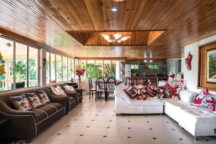 Casa privada: Cocinas,BBQ,Sauna,Música AltoVolumen