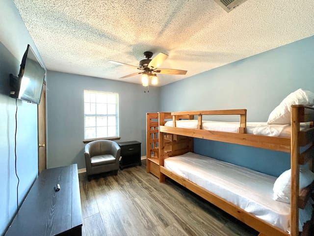 1 guest bedroom with twin bunk beds