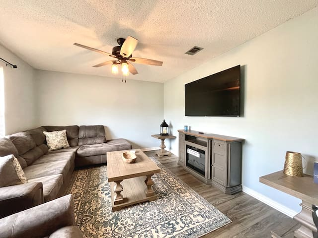 Cozy Living Room with Smart TV including Netflix.