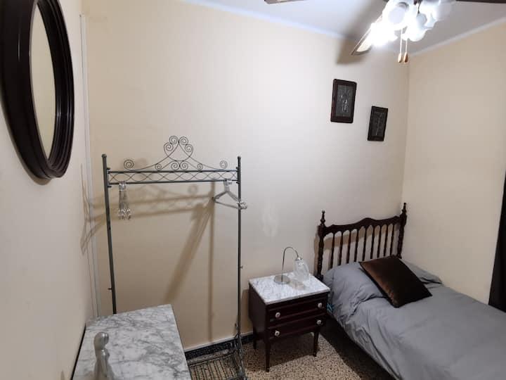 Habitación individual acogedora y céntrica Alagón.