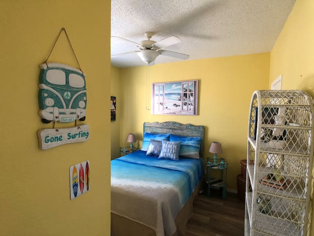 """Escape to the Brighton's """"Blue Hawaii"""" guest bedroom"""